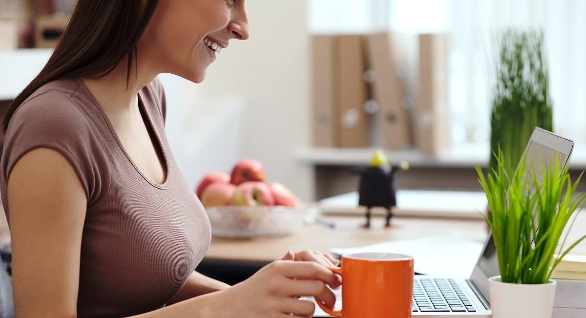 woman using computer at desk-1-966561-edited.jpg